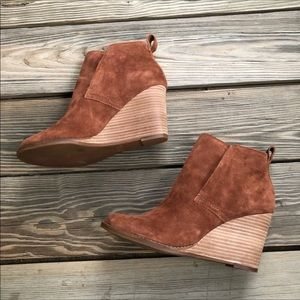 Lucky Brand Shoes - Lucky Brand Yoniana Wedge Bootie Chipmunk Color